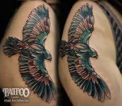 татуировка на бедре у девушки орел фото рисунки эскизы