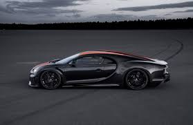 Once the car went past 304 miles per hour the manufacturer authorized 30 replicas. Bugatti Breaks Down How The Super Sport 300 Nails Its 490 Km H Top Speed Driving