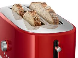 4 slice long slot toaster with high lift lever