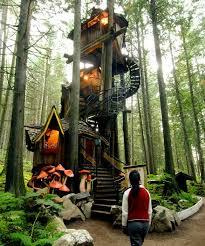 luxurious tree house. Birtish Columbia Enchanted Forest Treehouse. Luxurious Tree House