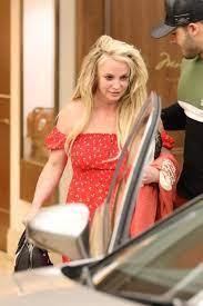 Britney Spears, ortaya çıktı - Fotoğraf Galerisi