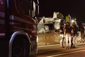 Assalto a furgone portavalori sulla A1: rapinatori in fuga - la Repubblica