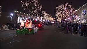 Festival Of Lights Manhattan Ks Naperville Hosts Parade Of Lights Festival Abc7chicago Com