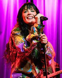Halsey (zangeres) - Wikipedia