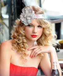 1920s Long Hair Style taylor swift and her famous hair why is this girl so perfect 8702 by wearticles.com