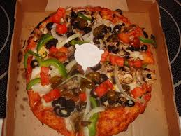 photo of round table pizza fullerton ca united states guinevere s garden delight