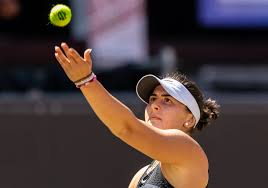 Andreescu practiced her running form with university of toronto track coach terry radchenko ahead of the us open. Uxlscocsj Kppm
