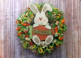 easy loopy loop wreath tutorial ribbon mesh and tubing
