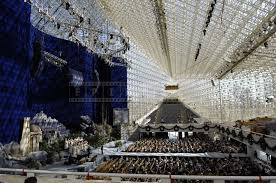 garden grove large seating capacity of the crystal cathedral california