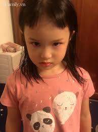 Hí hửng được mẹ cắt tóc mái, bé gái giận run người khi nhìn kết quả, dân  mạng xem ảnh xong chốt hạ: Giận là đúng - Netizen - Việt Giải Trí