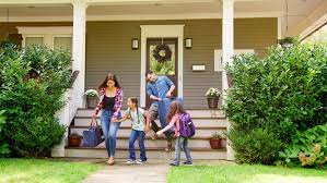 Family with Luggage Leaving House Stock Footage Video (100% Royalty-free)  1006598422 | Shutterstock