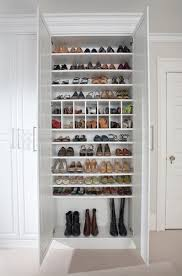 Shoe storage for boots