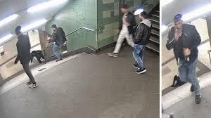 Die hintergründe sind noch nicht geklärt. Mann Tritt Frau In Den Rucken Die Treppe Runter Meinung Eines Auslanders Dazu Youtube