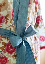Kimono Robe Pattern New Floral Oriental Kimono Robe Free Sewing Patterns Sew Magazine