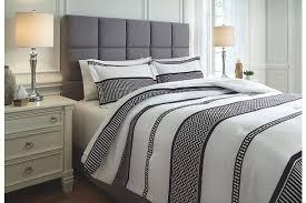 Black Cream Bedroom Ideas 3