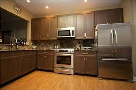 how much does replacing kitchen cabinet doors cost