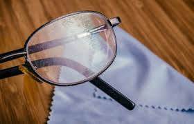 it s important to keep your prescription glasses clean and scratch free
