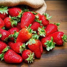 Everbearer Strawberry '<b>Sweet Summer</b>' | YouGarden