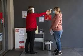 Australia is seeing a new surge in coronavirus cases. Australia Sees Lowest Rise In Coronavirus Cases In Over 3 Weeks National Globalnews Ca