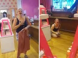 Woman Has 'Karen' Freak-Out in Victoria ...