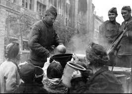Картинки по запросу Русские корият немцев в Берлине фото