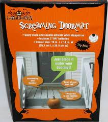 Amazon.com : Halloween Screaming Doormat (Measures 10x14) : Garden ...