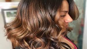 تسريحات الشعر للنساء فوق سن 40