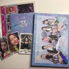 Itzy It'z Icy Album | Kpop merchandise, Kpop merch, Itzy