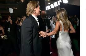 Jennifer Aniston e Brad Pitt, ecco il bacio che tutti ...