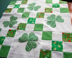 Make This: Irish Chain Quilt Tutorial & Irish Chain Quilt Adamdwight.com