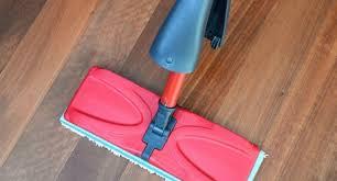 laying wooden laminate flooring