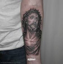иисус тату на руке фото