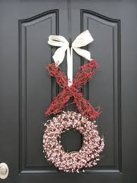 valentine wreaths for your front door7 Ways To Decorate For Valentines Day  Glitter Guide
