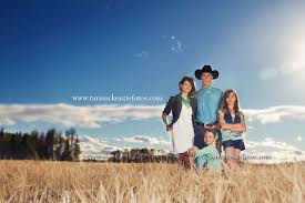 family picture ideas on a farm