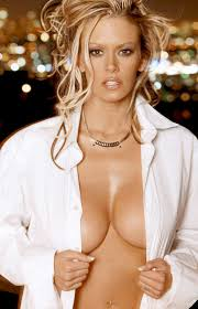 Jenna Jameson pregnant and puffy The queen of porn is.