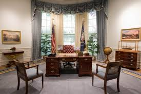 obama oval office decor. Obama Oval Office Decor. COTE DE TEXAS PRESIDENT TRUMP S NEW OVAL OFFICE  DECOR Here Is The Reagan Rug Back In For Third Time I M Sure That All Obama Oval Office Decor