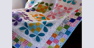 The Honey Bee Quilt Of Your Dreams – Quilting Cubby & honey bee quilt Adamdwight.com