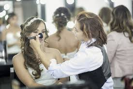 the does have a bridal make up course that will teach you bridal make up skills and provide on the job opportunities