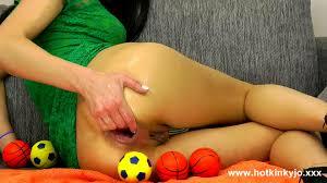 Hotkinkyjo Big orange balls funt 10.07.2016 1080p HD Porn.