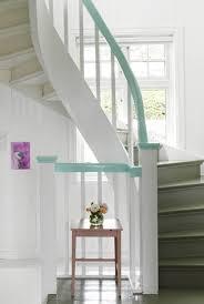 Denn wer schon mal die kellertreppe hinunter gefallen ist, wird wissen. 23 Treppengelander Streichen Ideen Freshouse