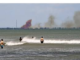 Große Rauchwolke Spacex Kapsel Erleidet Anomalie Bei Test