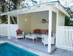cabana a pool house