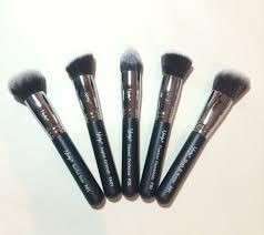 nanshy gobsmack glamorous face makeup brush set