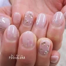 Pookaluna さんのネイルデザイン スモーキーピンクのふんわりグラ
