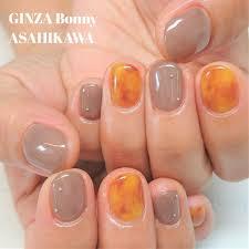 Ginza Bonny旭川店さんのネイルデザイン シンプルべっこうネイルです