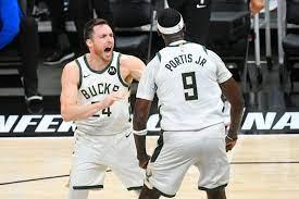 NBA: Milwaukee Bucks erstmals seit 1974 im Finale, nun geht es gegen  Phoenix Suns - DER SPIEGEL