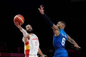 Damian Lillard, USA basketball beat ...
