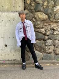 春の韓国ファッションストライプシャツを使ったおすすめメンズ韓国系