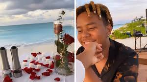 Ybn cordae supports naomi osaka by making sure she's in bed on time. Naomi Osaka And Rapper Bf Cordae Enjoy Romantic Dinner On Beach For Birthday
