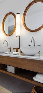 So we explored the pros and cons on having a double or a single sink in  your master bathroom and help you make the choice that works best for your  lifestyle ...